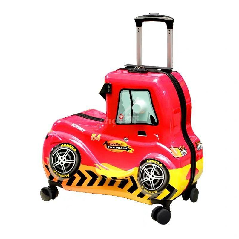 Vali xe hơi ngồi được cho bé