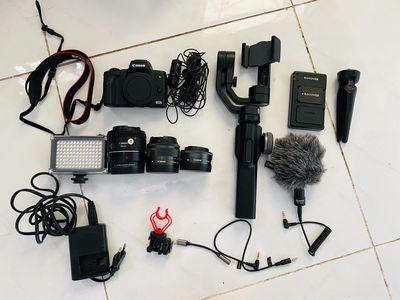Cần bán combo vlog canon m50 .