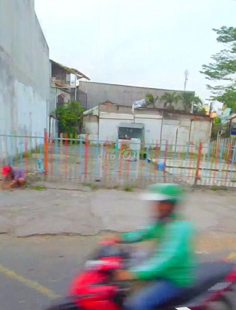 Bán nhanh lô đất Mặt Tiền đường Vĩnh Hội, Q4, shr