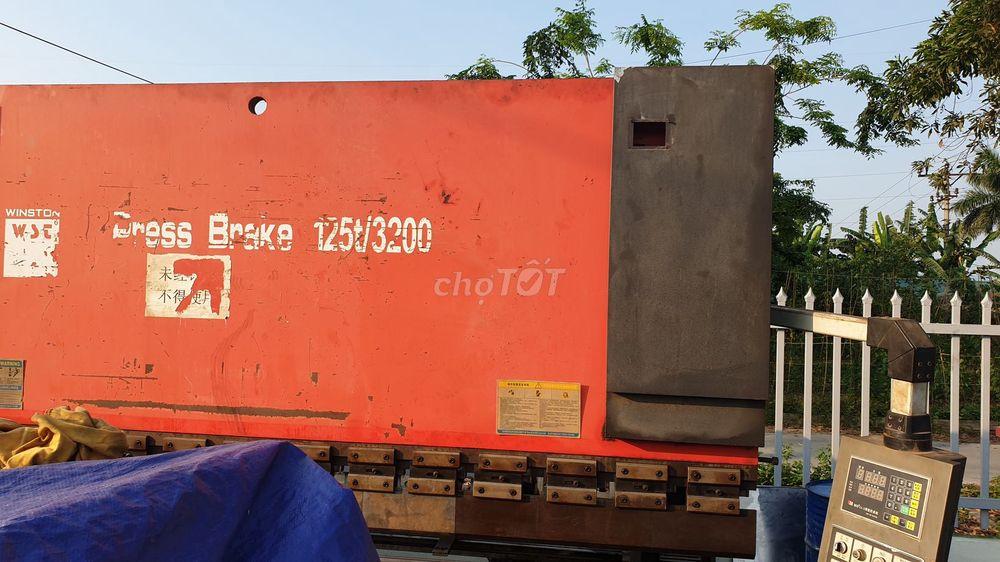 Bán máy chấn tôn 125 tấn (150tr)