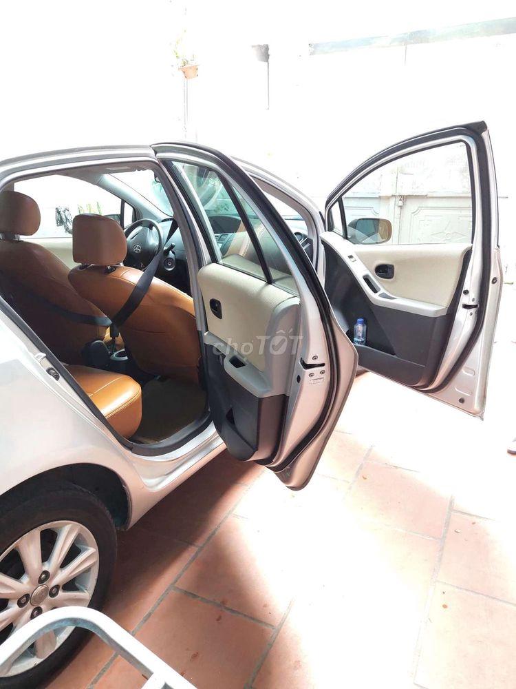 Toyota Yaris tự động đời 2009