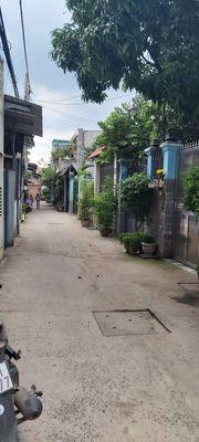 Nhà cấp 4 C3 Nguyễn Văn Linh DT 4x10m 2ty