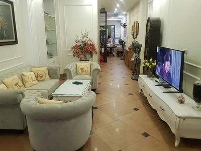 Bán nhà khu vực Nguyễn Khánh Toàn 90m2 - 12.5 tỷ