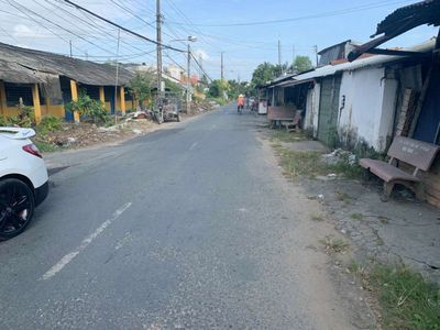 Mặt tiền đường nhựa Lê Hồng Phong cầu bà ban