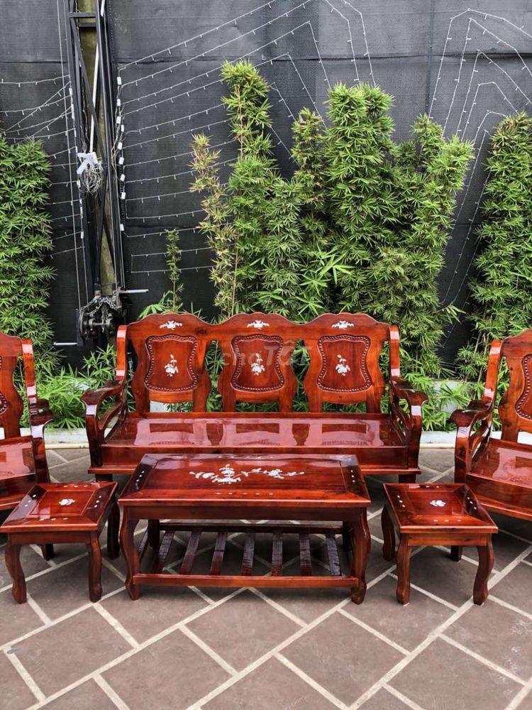 Salon mã lai gỗ tự nhiên