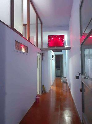 Chung cư Cho thuê hoặc bán nhà cc lầu 3 q5 70m2,