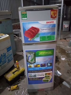 Cần bán tủ Sanyo 160 rin . Giá rẻ