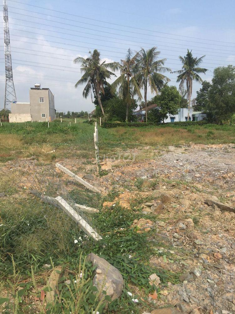 Bán lại lô đất thổ cư tại xã Tân Thông Hội 100m²