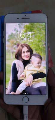 Bán Iphone 7 Plus 256Gb Quốc tế màu bạc.