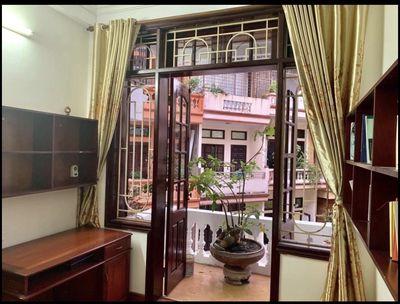 Bán nhà Nguyễn Văn Huyên C.Giấy-Phân Lô-Vỉa Hè-51m