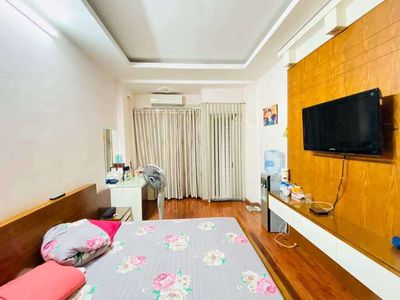 Bán nhà cưc đẹp Hào Nam 6 tầng 36m