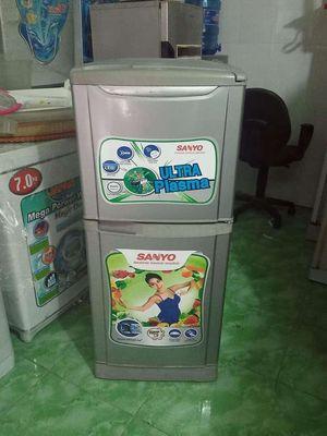 Tủ lạnh sanyo xám 126 lít🍎🍎