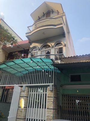 Nhà dân xây trong ngõ đường Đà Nẵng, oto đỗ cửa
