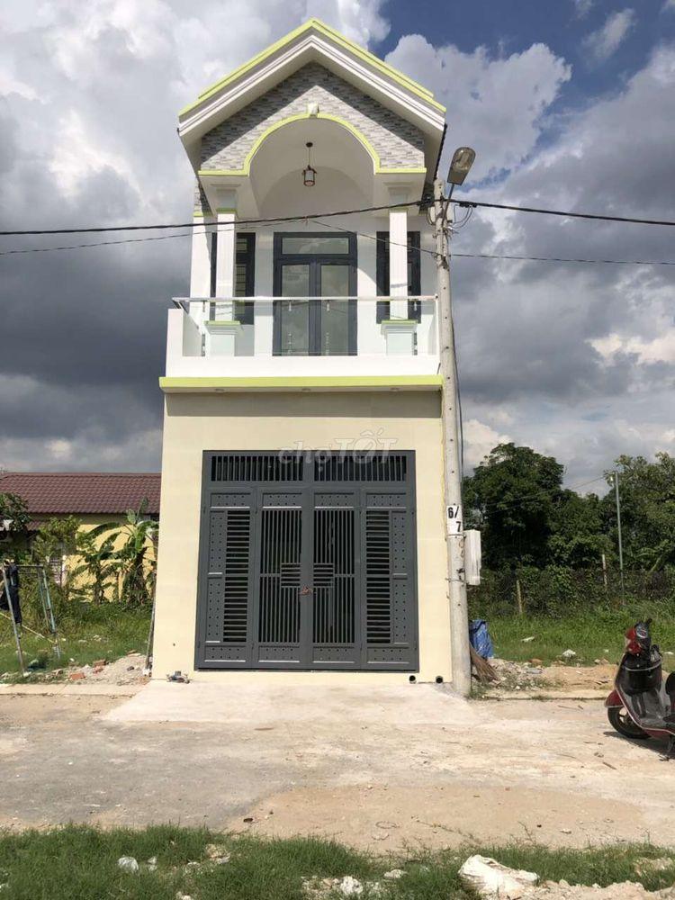 Bán nhà mới xây chưa ở ngay Chợ bến gỗ