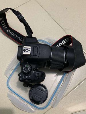 Canon 700D ít dùng, còn mới, hết bảo hành