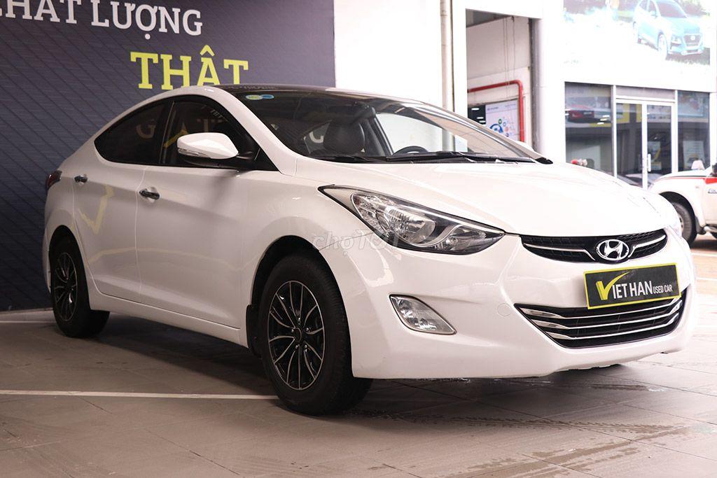 Hyundai Elantra GLS 1.8MT 2013