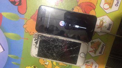 CẦn bán 2 iPhone 5s như hinh
