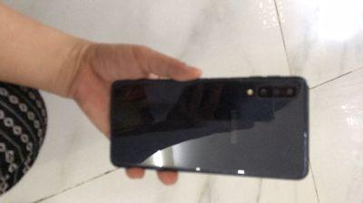 Galaxy A7 2018 ram 4/64 cty đẹp zin bao zin full