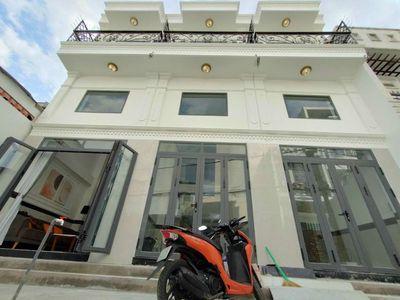 Nhà P14,dt 3,5×13m,đúc lửng,lầu,3PN,4WC,XH tận nhà