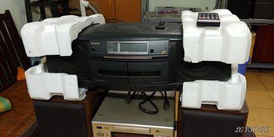 Hàng sưu tầm đài Radio CD Cassette Aiwa CSD-SR70