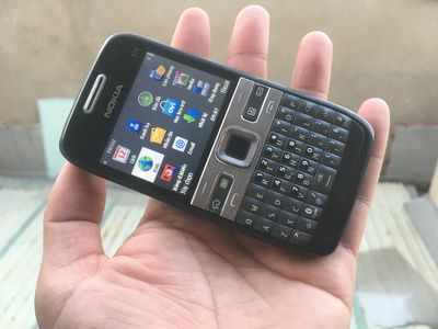 Nokia E72 màu đen, Wifi 3G, Vỏ zin, Pin 3--4ngày