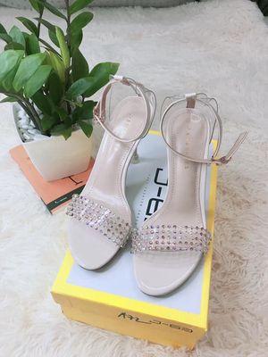 Giày cao gót đính đá Hàn Quốc