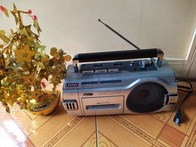 Radio cassette Sanyo Japan zin tốt đẹp 220v