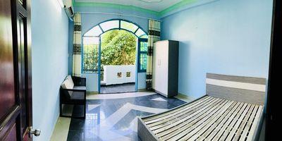 Phòng đẹp NHỨC NÁCH có ban công, ngay công viên