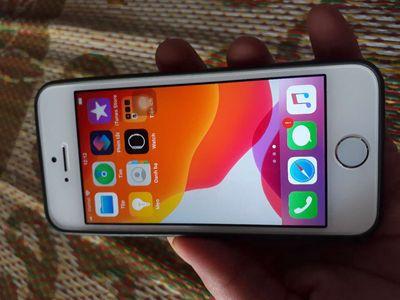 Iphone 5se máy zin full icl sạch sẽ,chỉ mvt thôi n