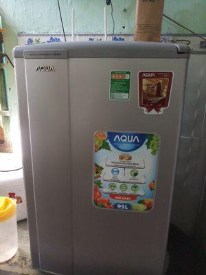 Tủ lạnh mini 93l còn moi 90% tiết kiệm điện