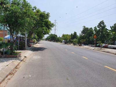 Bán đất mặt tiền đường 10.5m Trần Tử Bình