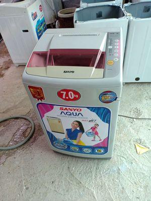 Máy giặt Sanyo 7kg như hình. BH 6 tháng