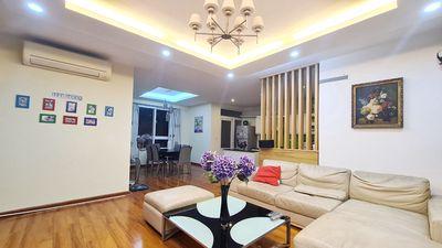 Chính chủ bán căn hộ 134m2, tầng cao, 25 Lạc Trung
