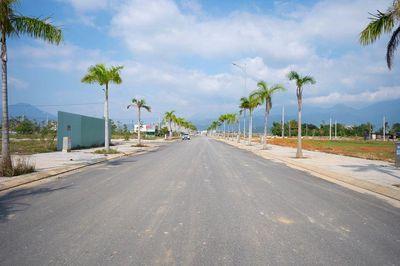 Chính chủ bán lô đất rộng đường lớn 30m
