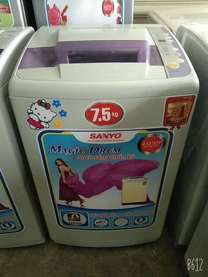Máy giặt Sanyo giặt êm vắt khô .