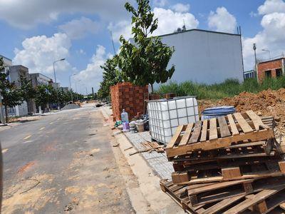 Bán lô đất ngay cổng KCN Nam Tân Uyên, xây trọ tốt