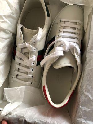 Giày sneaker chính hãng size 38.5