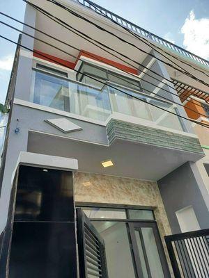 Chính chủ-nhà mới dt:3,5x13m, 1 lầu, 2pn, sổ riêng