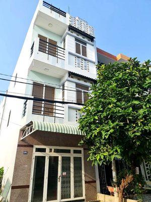 Nhà đẹp mặt tiền 2 lầu đúc Ngô Thị Nhậm, Cần Thơ
