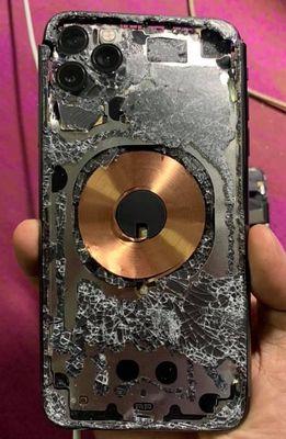 Cần mua xác iphone X để tháo gỡ lấy lk thay thế.
