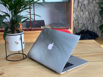Macbook Air 2017 99% I5 Ram 8GB / 128