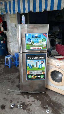 Cần bán tủ lạnh tôshiba 285l đẹp zin có bh