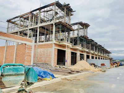 Bán 2 xào đất mặt tiền đường Cầu Mên, Bình Sơn,LT