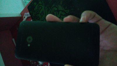 Xác HTC one M7, xác hai cái mobistar