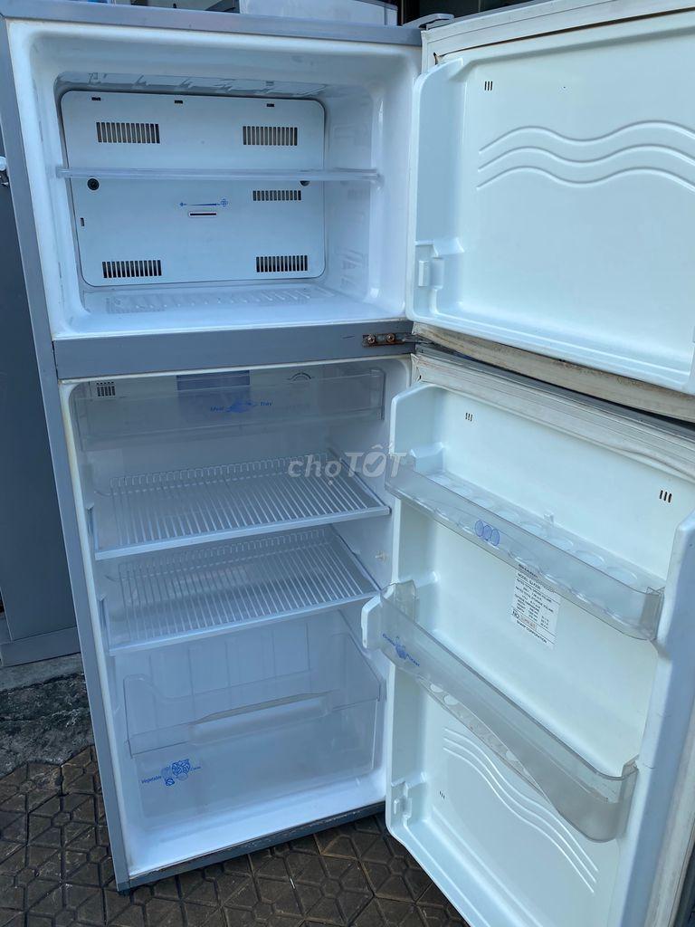 0941111011 - Tủ lạnh sharp 160 lít hoạt động tốt