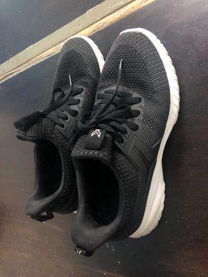 Giày ít đi pass lại Size 43 Bitis Hunter X mới 98%