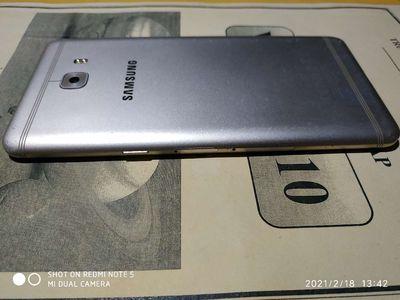 Xác Samsung C9 Pro chỉ bể màn hình ram 6gb /64gb