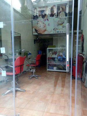 cửa hàng tóc ngõ 99 Cầu Diễn