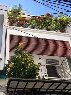 Cần bán nhà 3 tầng Đường tôn đản Q4 47m2 Giá 4,9tỷ