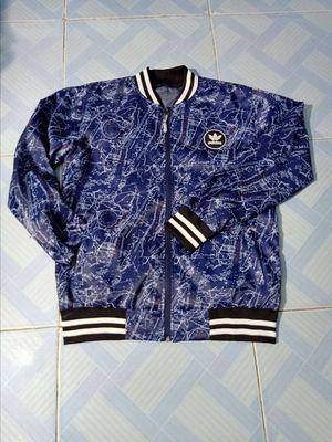 Áo khoác dù 2 lớp xanh navy họa tiết